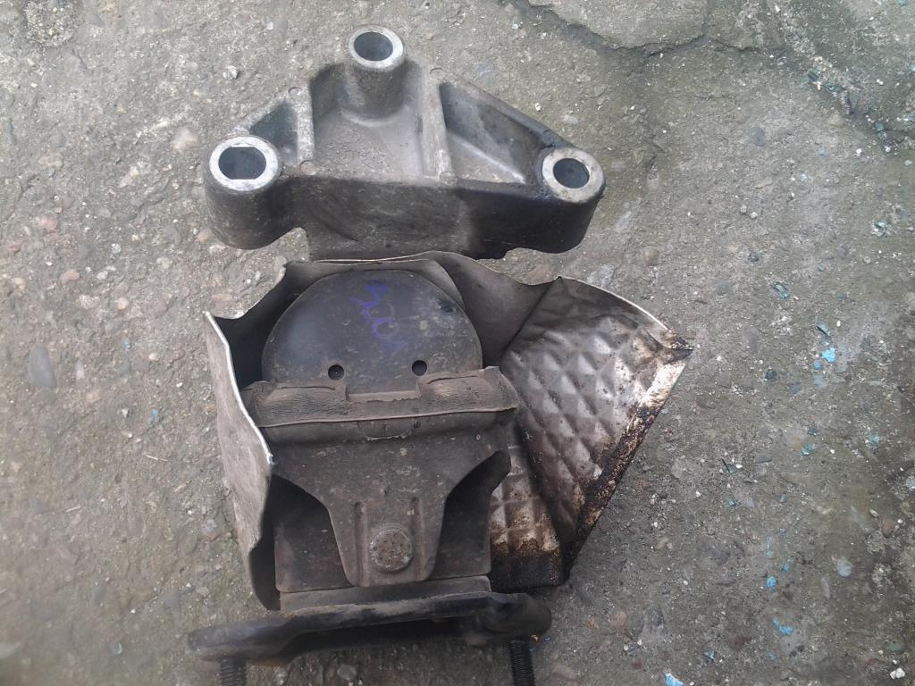 подушка двигателя chrysler 300m intrepid lhs