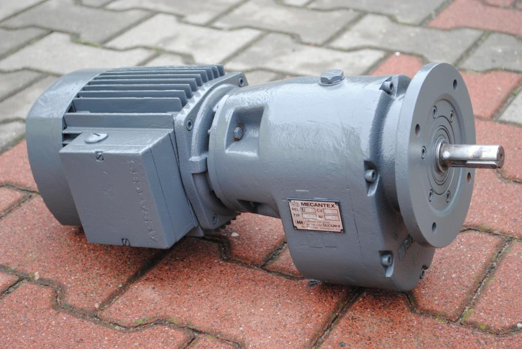 Príruba Gearmotor 0.18KW. 12br./min .. fvat
