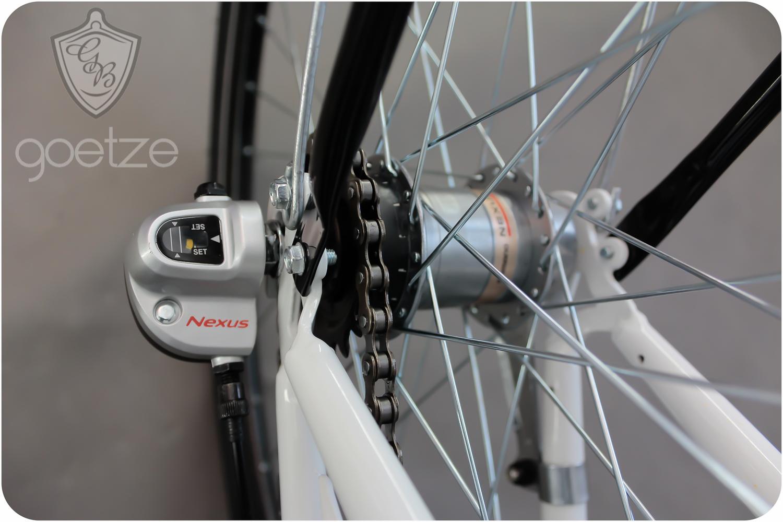 Dámsky mestský bicykel GOETZE 26, 3-rýchlostný kôš zadarmo!  Torpédové brzdy s brzdou v tvare V.