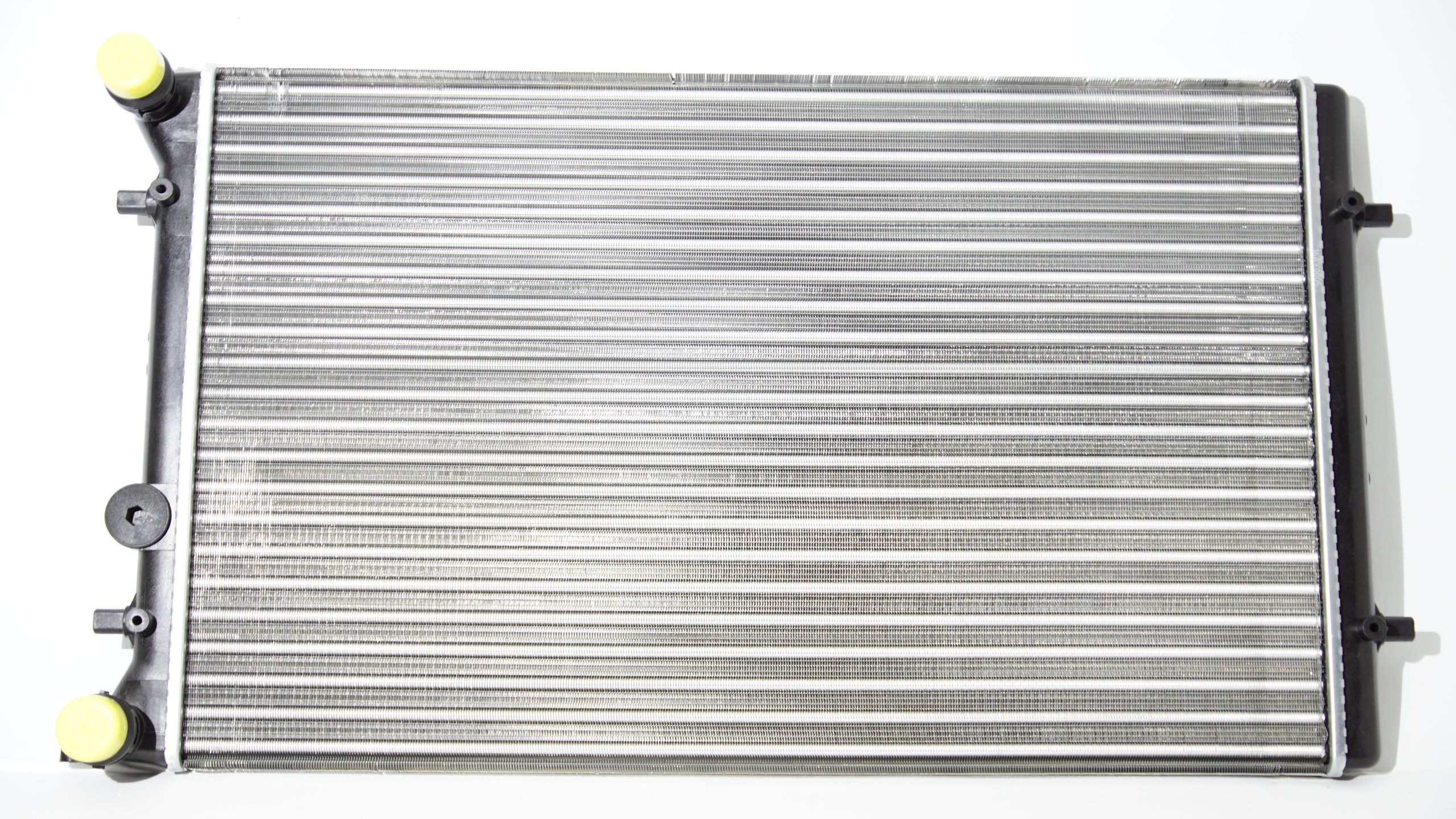 радиатор воды audi a3 1996-2003 16 18 19 новая