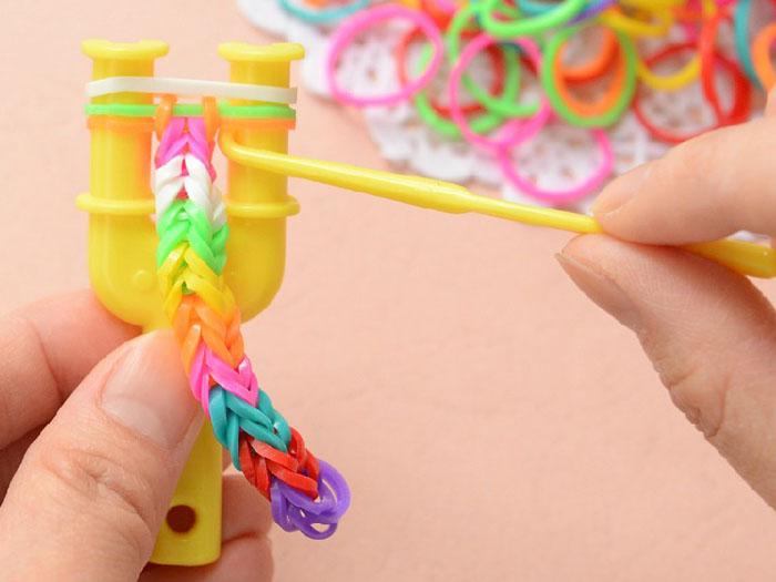 Gumki kolorowe Loom Band Starter 200szt ZA0994 Wiek dziecka 3 lata +