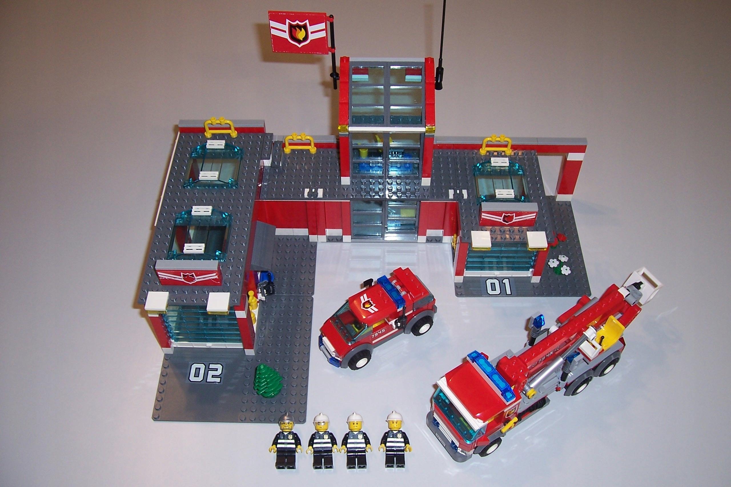 Lego City 7945 Straż Pożarna Remiza Posterunek 7697398200