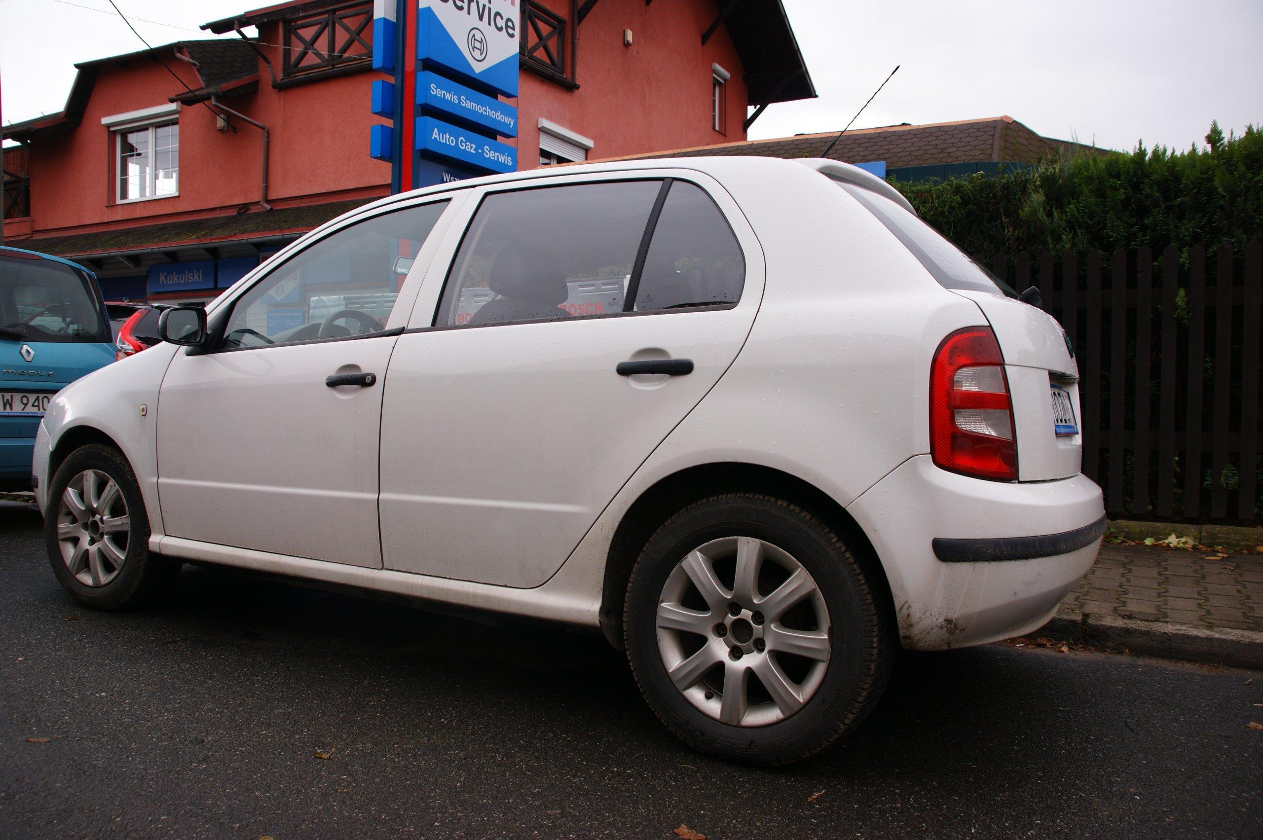 Dodatkowe NAJTANIEJ! Biała Skoda Fabia 1.2 benzyna SALON PL - 7061107629 NA28