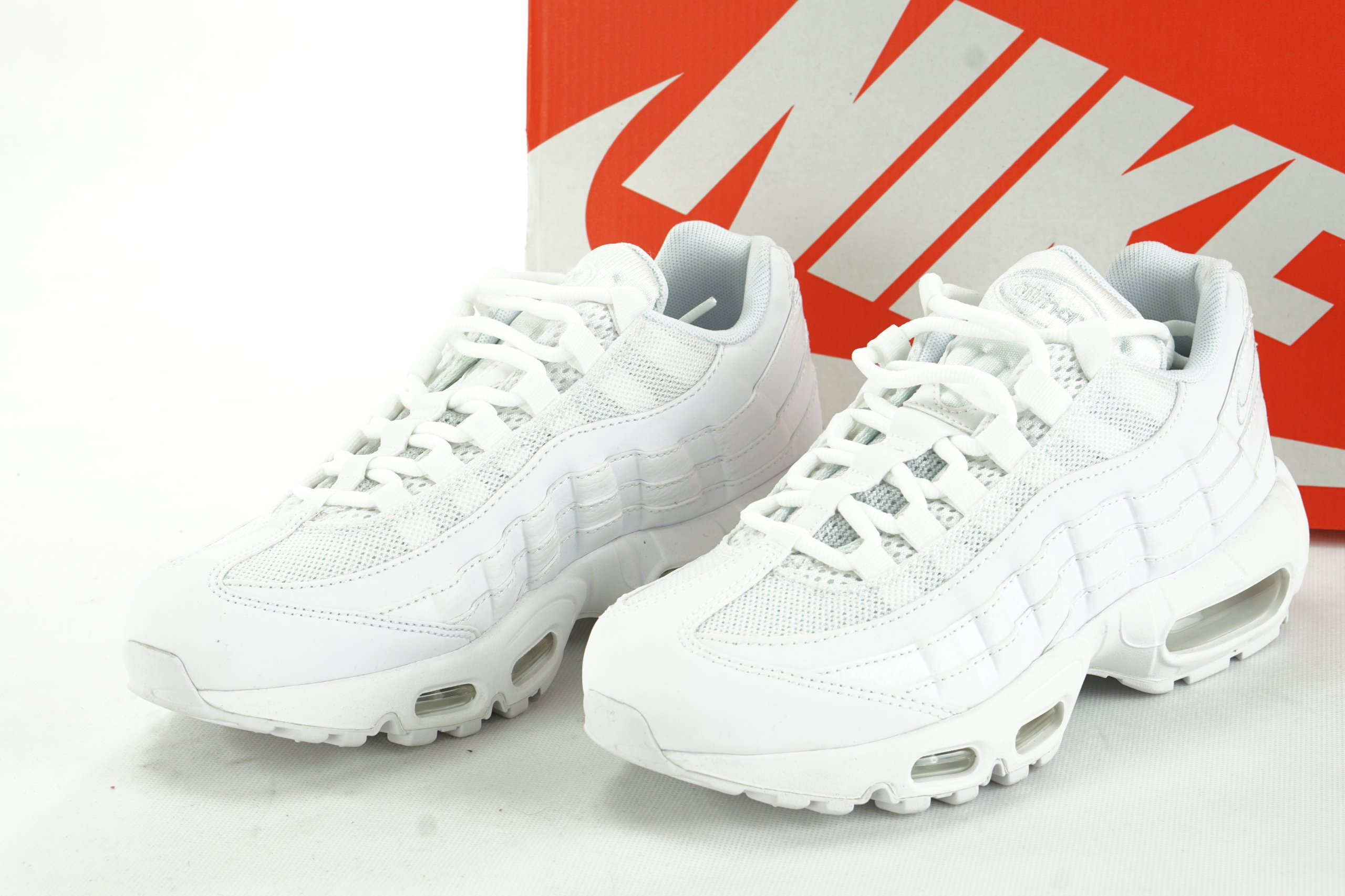 huge discount 98f2c 821f3 NIKE AIR MAX 95 białe sportowe damskie R38,5 S2 11
