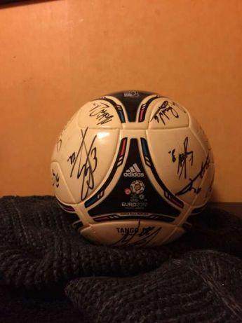 af058d9fd Piłka Tango12 Adidas z podpisami piłkarzy Legii - 7029805279 ...