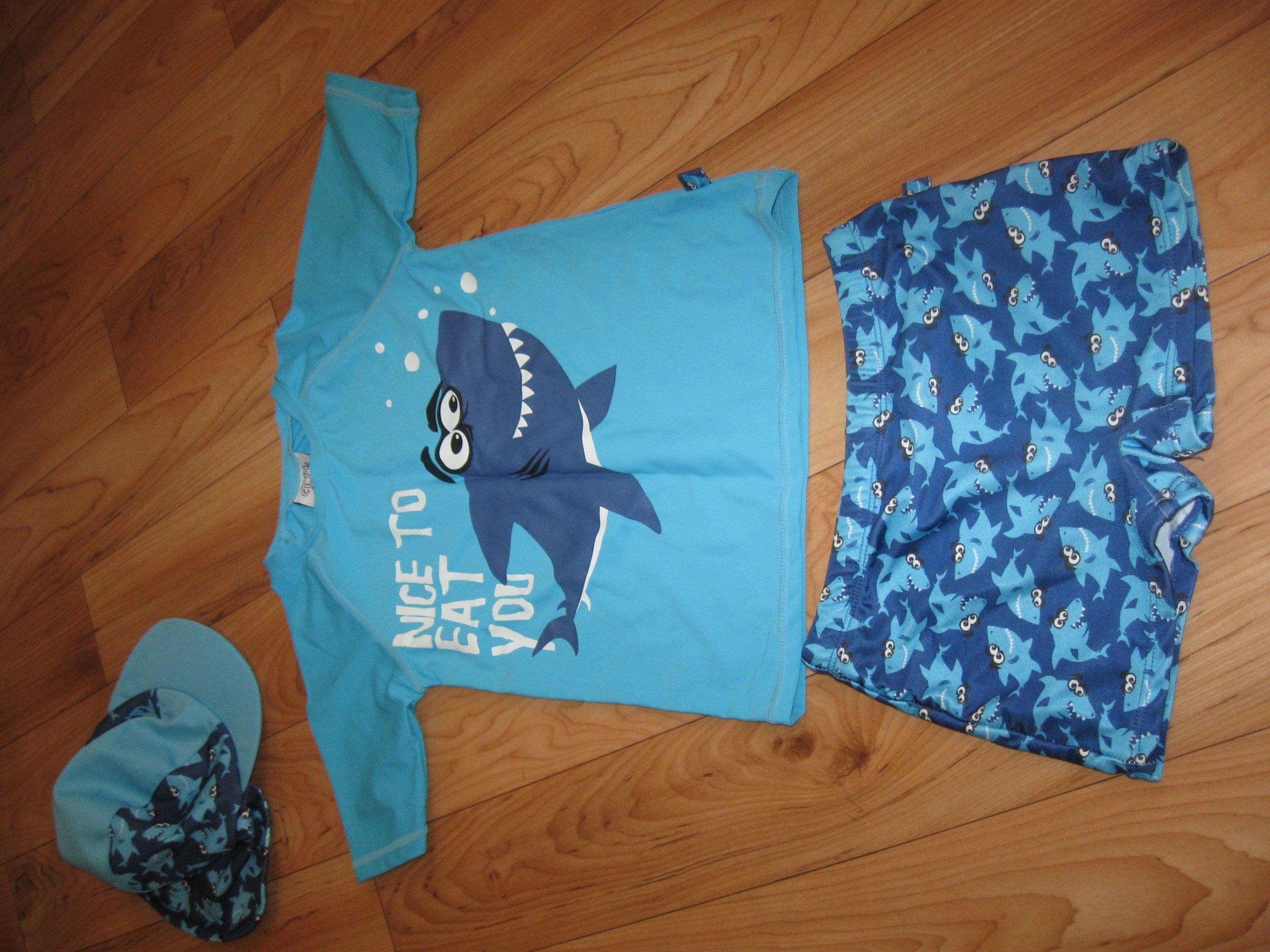 5e43e5e4d7c385 Strój kąpielowy dla chłopca komplet + ręcznik - 7347375011 ...