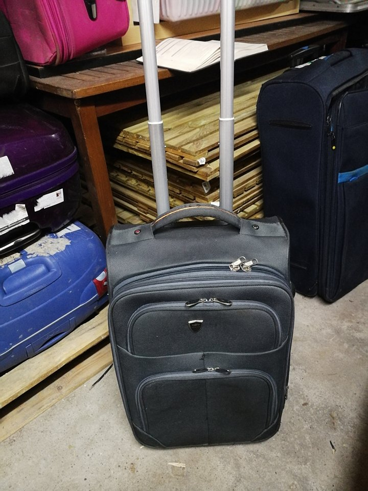 4e16a4aed978e walizka miękka 50 cm jako bagaż podręczny mała - 7264351105 ...