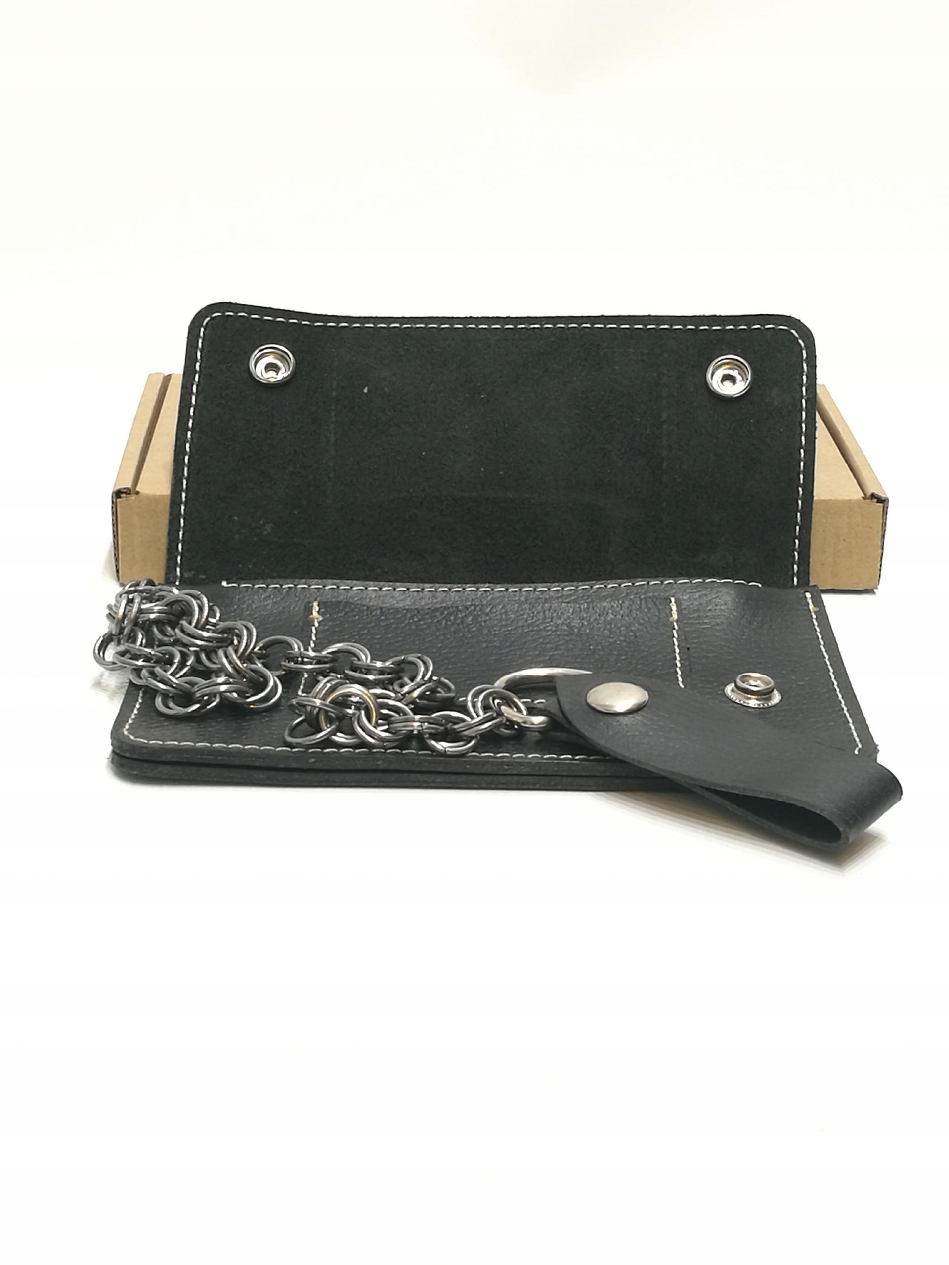 6446e47bc1c1f Skórzany portfel z łańcuchem handmade SQRATORIUM - 7685547700 ...