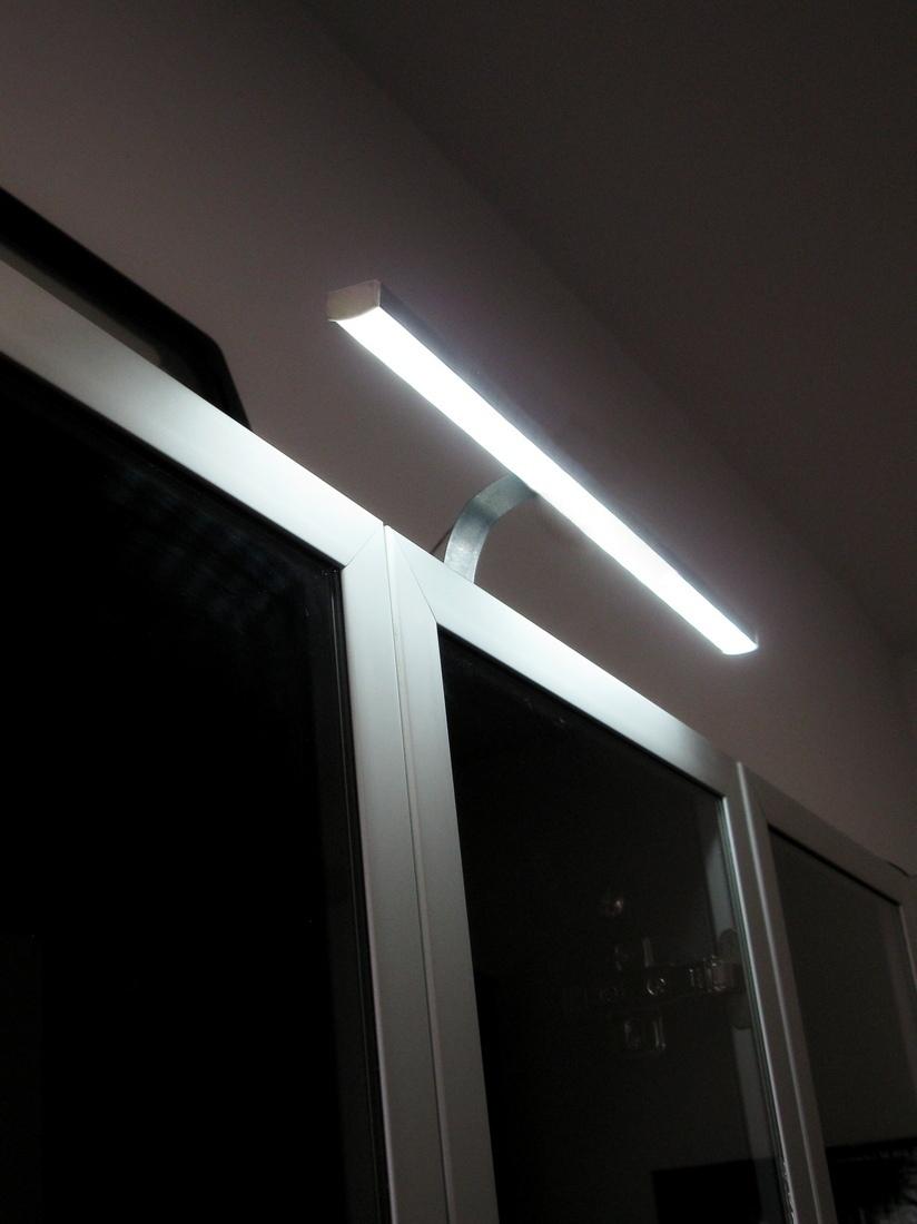 Oświetlenie Led Nadszafkowe Zwyłącznikiem Na Kablu