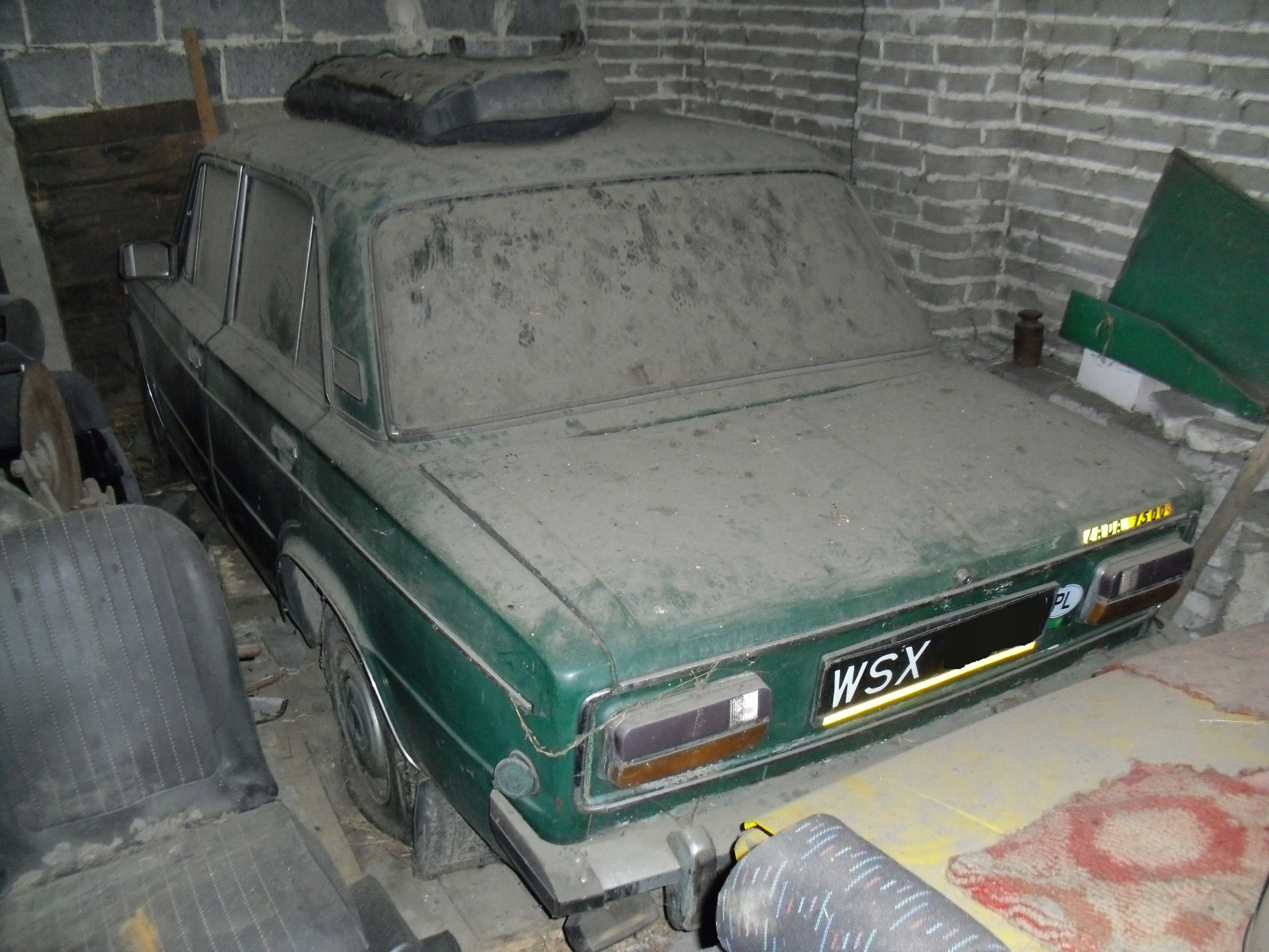 ŁADA 2103 1976 znaleziona w stodole