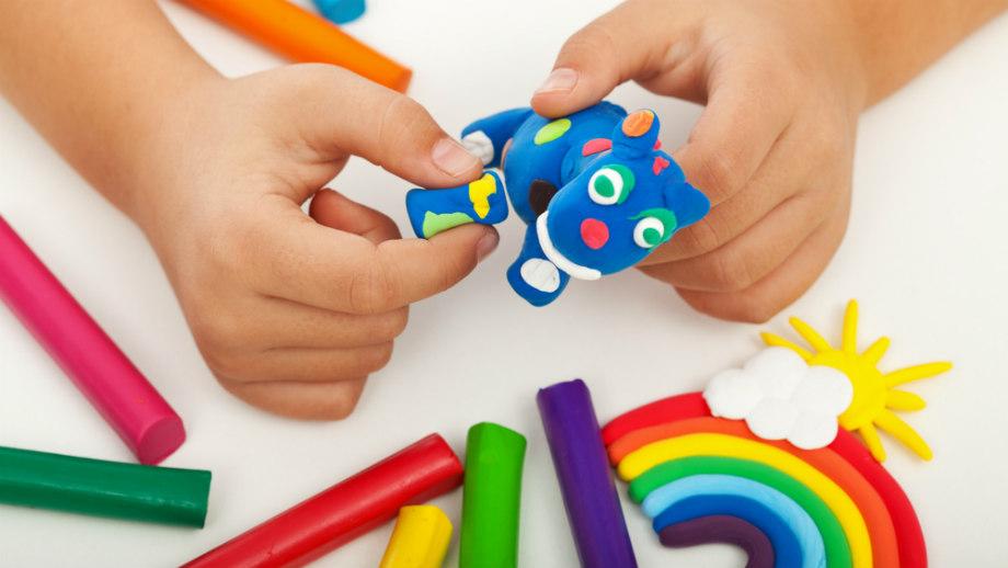 Plastyczne zabawy domowe dla trzylatka na jesienne słoty