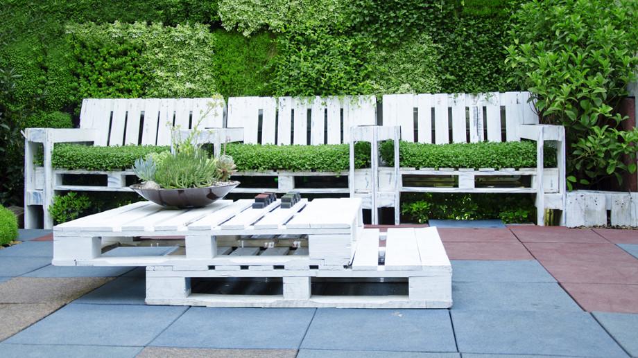 Paletový nábytok na terase - nápady na usporiadanie a doplnky
