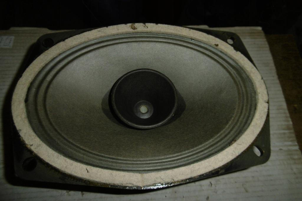 głośnik RFT B 2618 P/3 5 Ohm 6VA sprawny