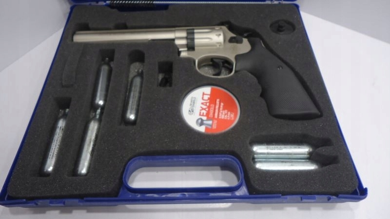 SMITH & WESSON 586 4,5 MM ZESTAW