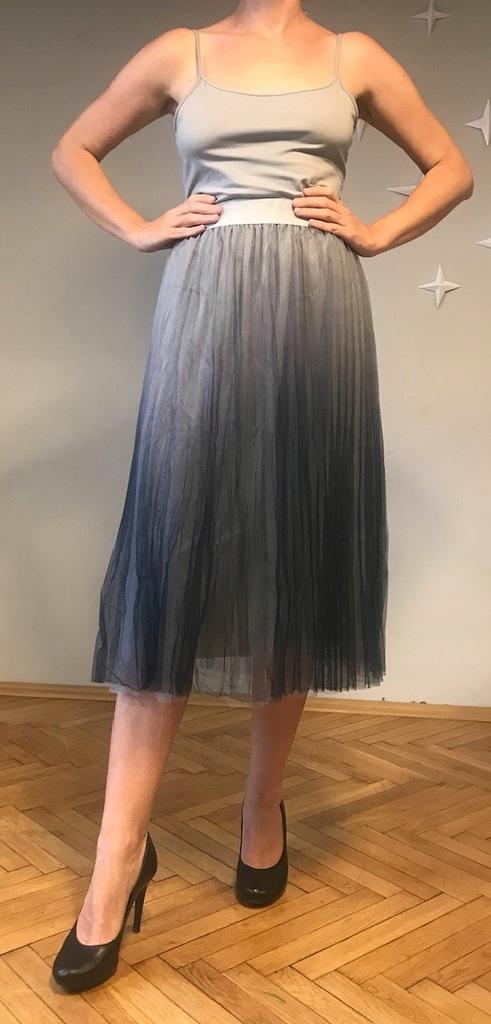 Szara plisowana długa spódnica tiulowa (Makadamia)