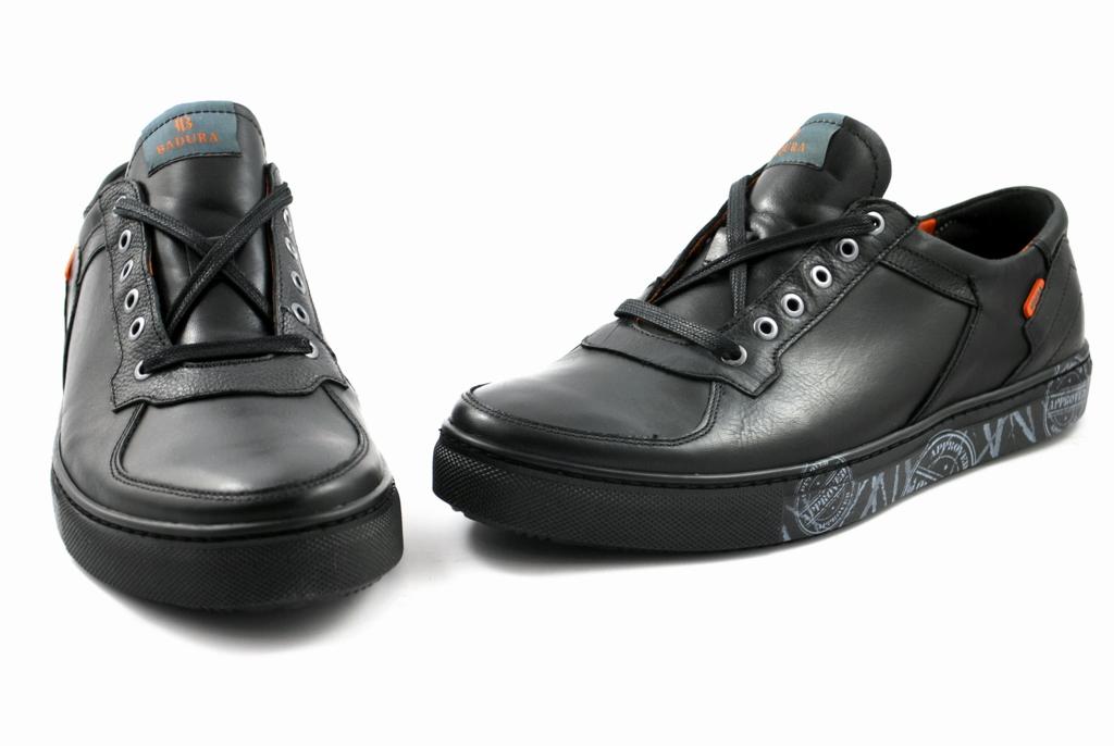 d3e46d46 Elastyczna podeszwa oraz wyściółka za skóry naturalnej zapewniają doskonały  komfort użytkowania butów