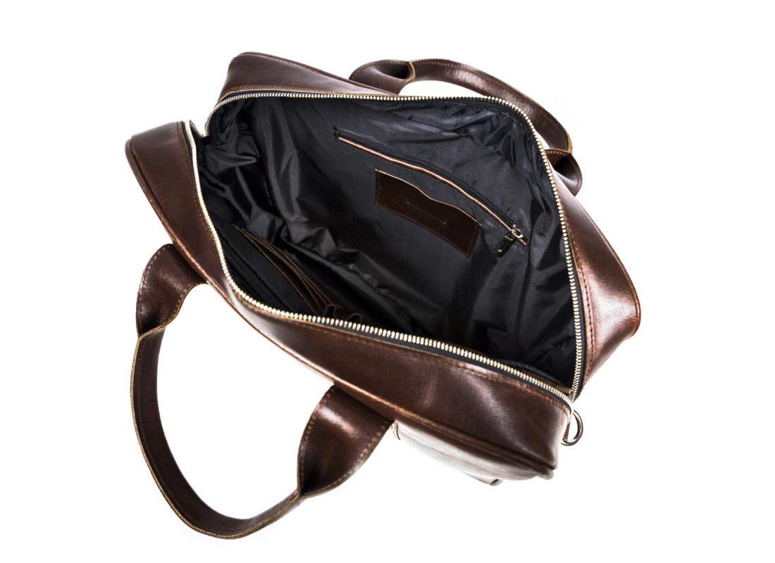 bc318f920f3a6 ... z najpopularniejszych modeli toreb polskiej marki galanterii skórzanej.  Torba męska będzie idealnym pomysłem na prezent dla nowoczesnego mężczyzny.