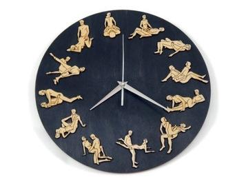 Камасутра настенные часы деревянные подарок