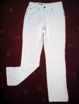 Białe SPODNIE sztruks YESSICA C&A r. S/M/158